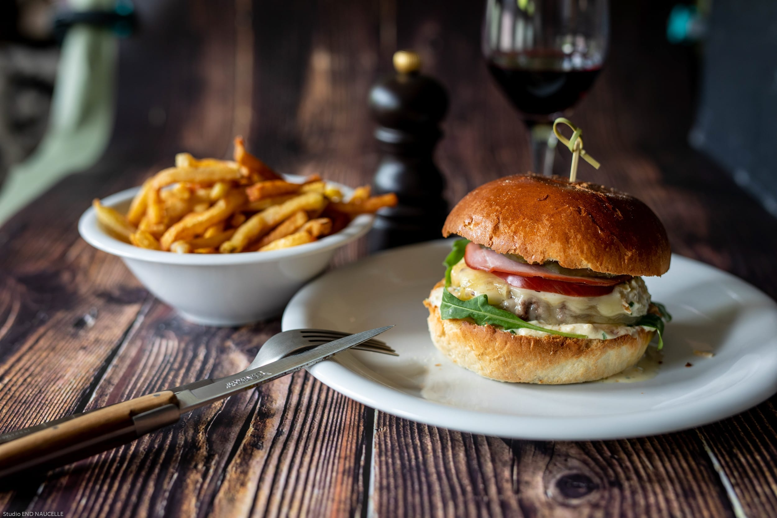 Burger aux senteurs d'Aveyron à La Table de Romane à Espalion